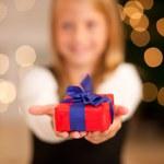 Włochy: W co piątej rodzinie nie było świątecznych prezentów
