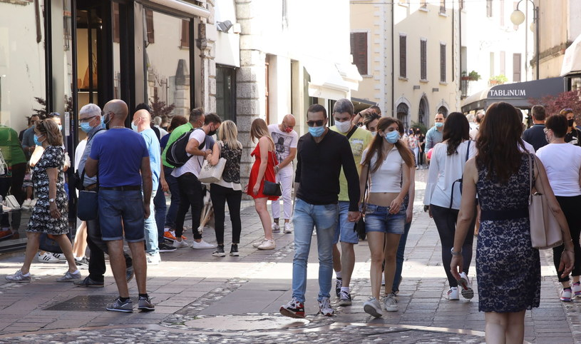 Włochy wchodzą w kolejną fazę odmrażania kraju /FILIPPO VENEZIA /PAP/EPA