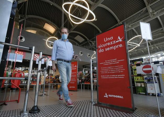 Włosi luzują obostrzenia związane z koronawirusem /Andrea Fasani /PAP/EPA