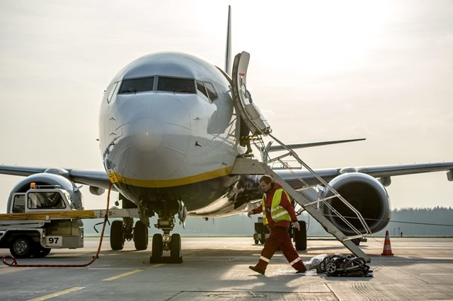 Włosi mają za dużo lotnisk. Część jest nierentowana /Maciej Kulczyński /PAP