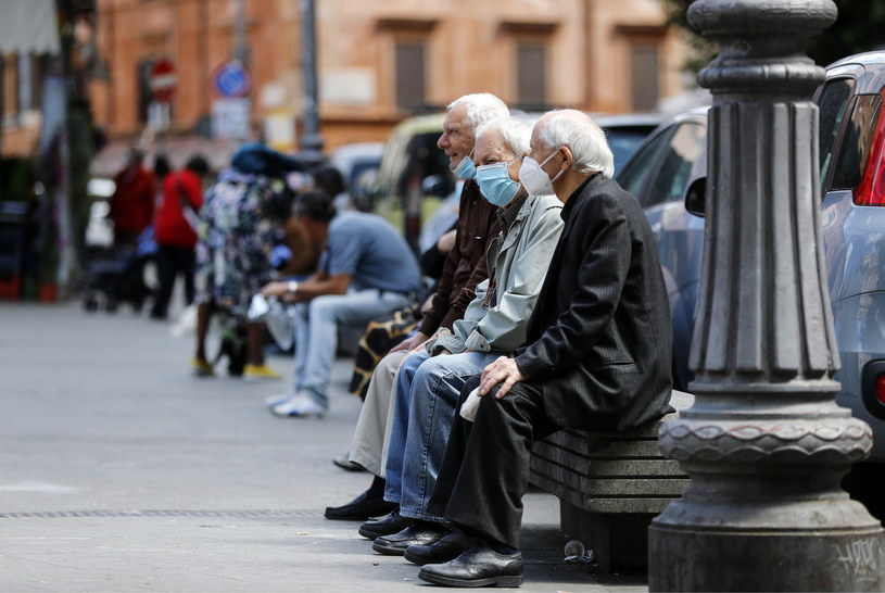 Włosi na ulicach Rzymu /RICCARDO ANTIMIANI /PAP/EPA