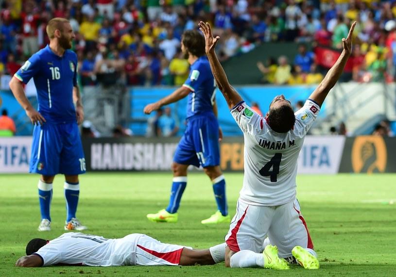 Włosi (niebieskie stroje) nie dali rady Kostaryce /AFP