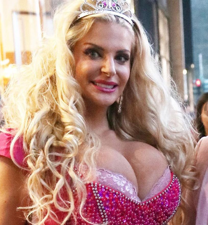 Włoska Barbie /Accursio Lota / SplashNews.com /East News