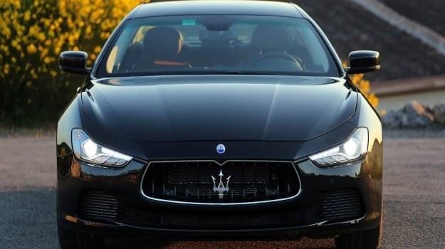 Włoską firmę założyli w 1914 roku bracia Maserati. Od 1993 roku marka należy do koncernu Fiata. Na zdjęciu: nowe Ghibli, konkurujące z BMW 5 i 6 Gran Coupe oraz Mercedesem E i CLS. /Maserati