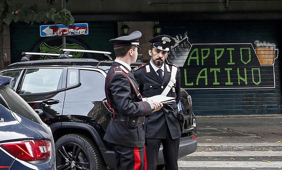 Włoska policja na miejscu tragedii /MASSIMO PERCOSSI /PAP/EPA