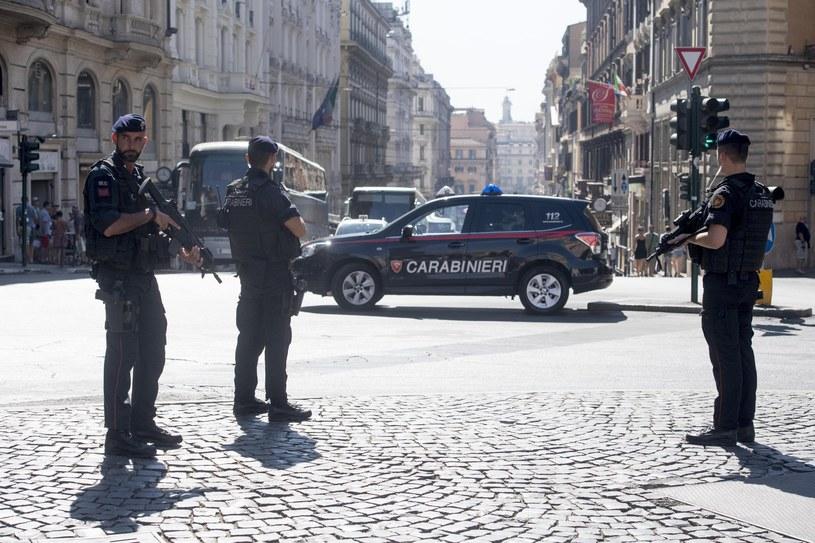 Włoska policja na ulicach Rzymu /CLAUDIO PERI /PAP/EPA