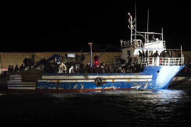 Włoska wyspa Lampedusa, punkt docelowy masowego napływu uchodźców z Afryki Północnej /AFP