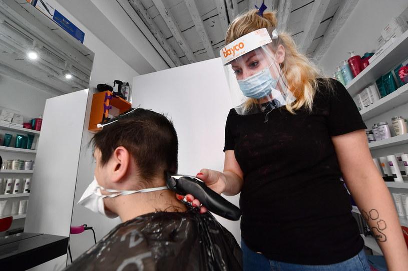 Włoski salon fryzjerski /LUCA ZENNARO /PAP