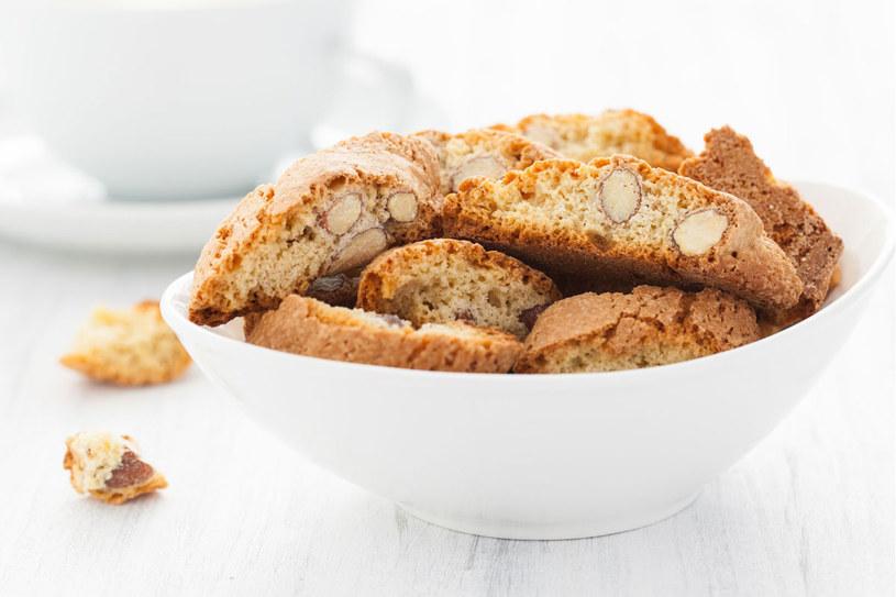 Włoskie ciasteczk cantuccini /123RF/PICSEL