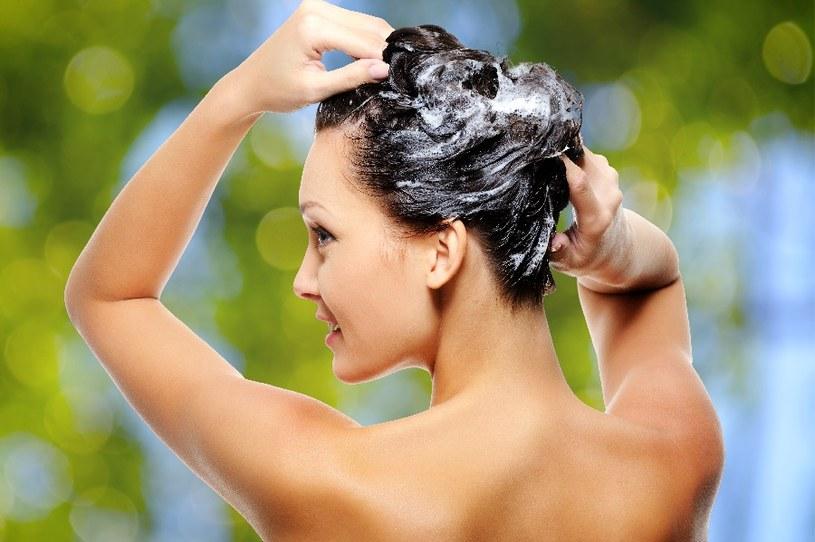 Włosy będą gładkie /© Photogenica