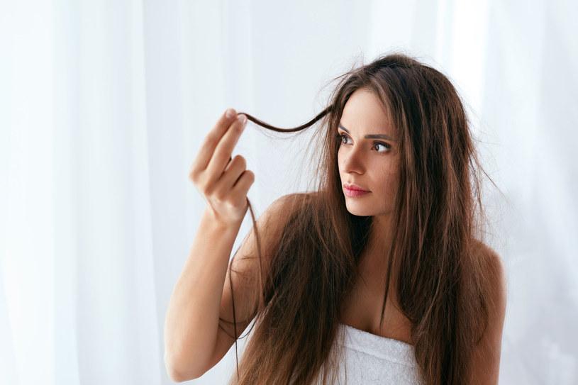 Sposoby Na Puszące Się Włosy Kobieta W Interiapl