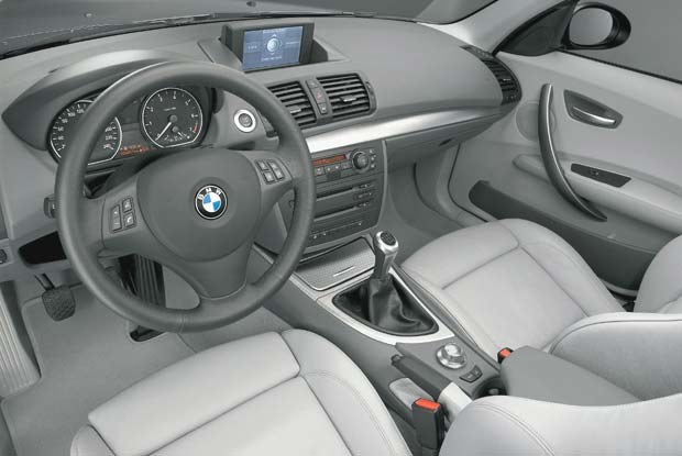 Wnętrze BMW serii 1 (kliknij) /INTERIA.PL