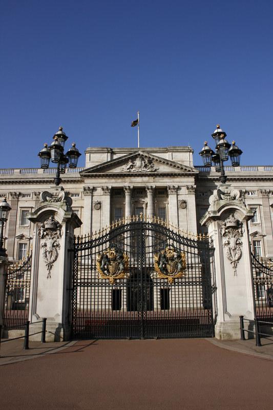 """Wnętrze Buckingham wygląda... przytulnie, niemal """"domowo""""  /© Panthermedia"""