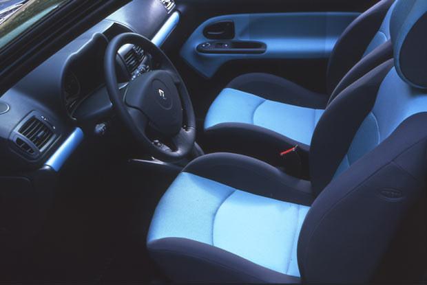 Wnętrze Clio EXTREME (kliknij) /INTERIA.PL