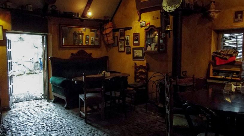 Wnętrze domku rybaka / kawiarni Strych /Styl.pl