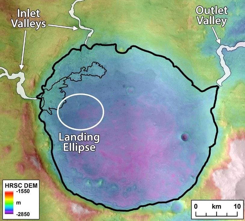 """Wnętrze krateru Jezero wraz z dwoma kanałami """"wpływającymi"""" do tego krateru /NASA"""