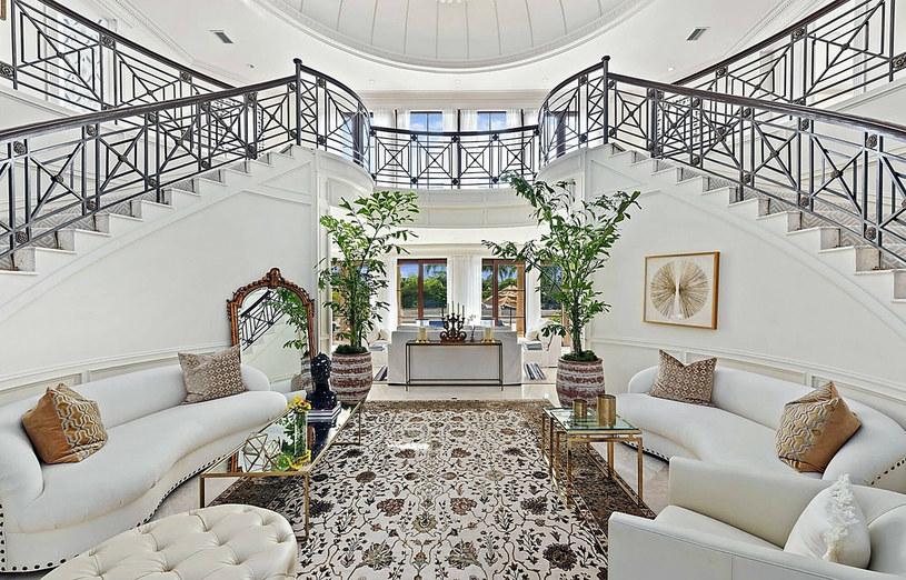 Wnętrze luksusowej posiadłości w Miami Beach /East News