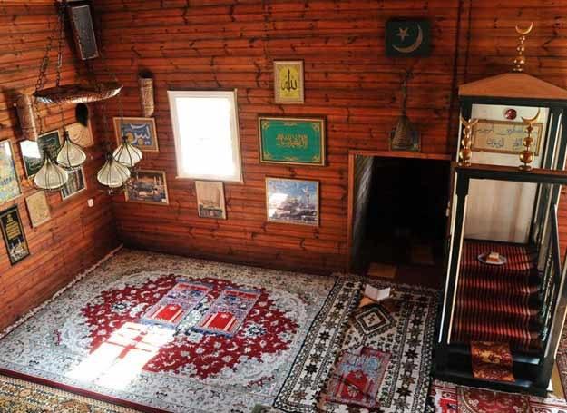 Wnętrze meczetu w Kruszynianach /East News