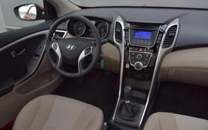 Wnętrze nie uległo zmianie po liftingu. Nie musiało – ergonomia jest dobra, podobnie jak jakość wykonania. /Motor