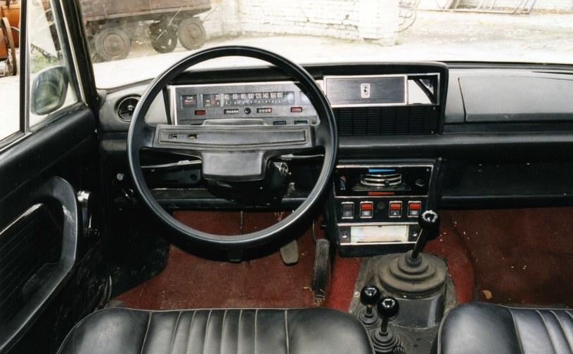 Wnętrze Polskiego Fiata 125p 4x4 /