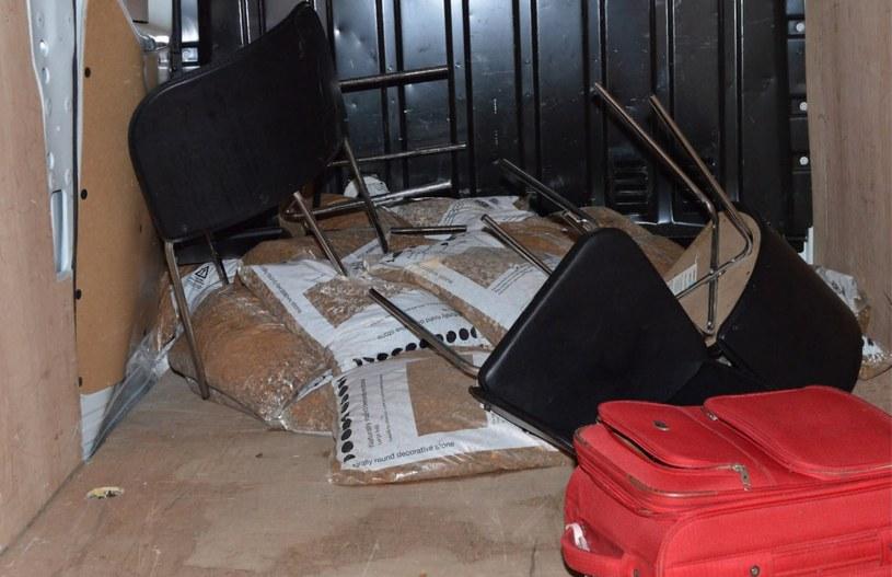 Wnętrze samochodu wynajętego przez terrorystów /LONDON METROPOLITAN POLICE    /PAP/EPA