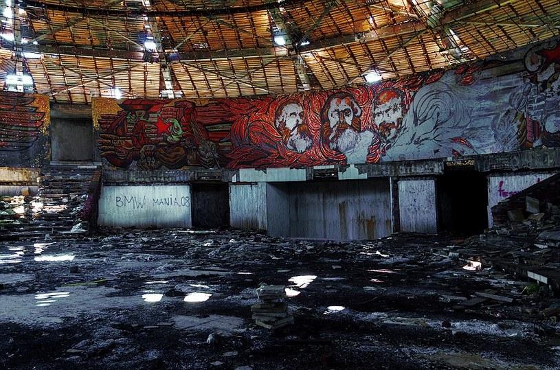 Wnętrze spodka popadło w ruinę /materiały prasowe