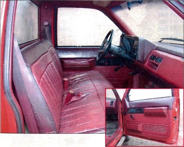 Wnętrze, utrzymane w kolorystyce samochodu, pomieści trzy dorosłe osoby. /Motor