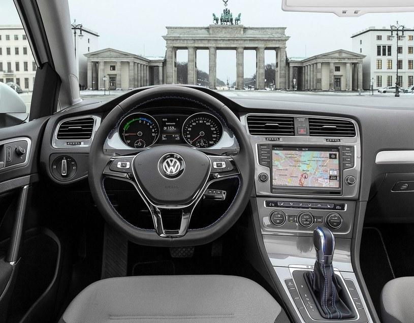 Wnętrze Volkswagena e-Golfa /