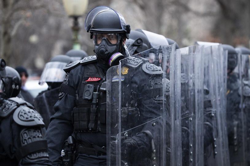 Wobec protestujących na Kapitolu w Waszyngtonie zwolenników Trumpa użyto policji /EPA