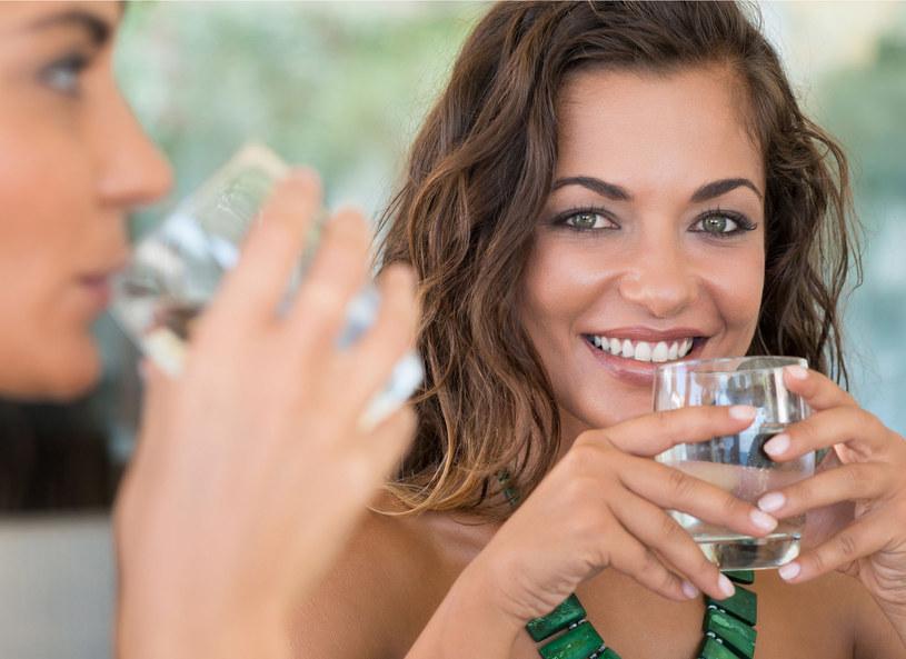 Woda to jeden z najlepszych kosmetyków /123RF/PICSEL