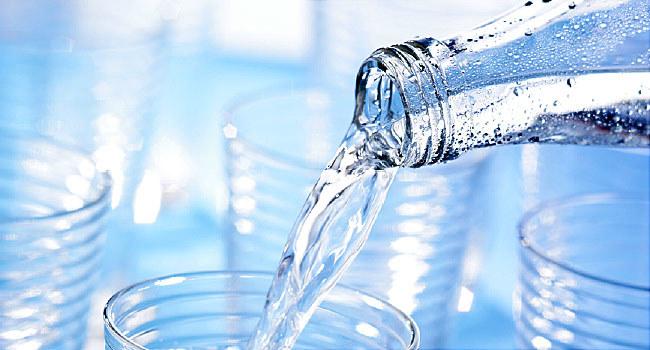 woda w organizmie /© Photogenica