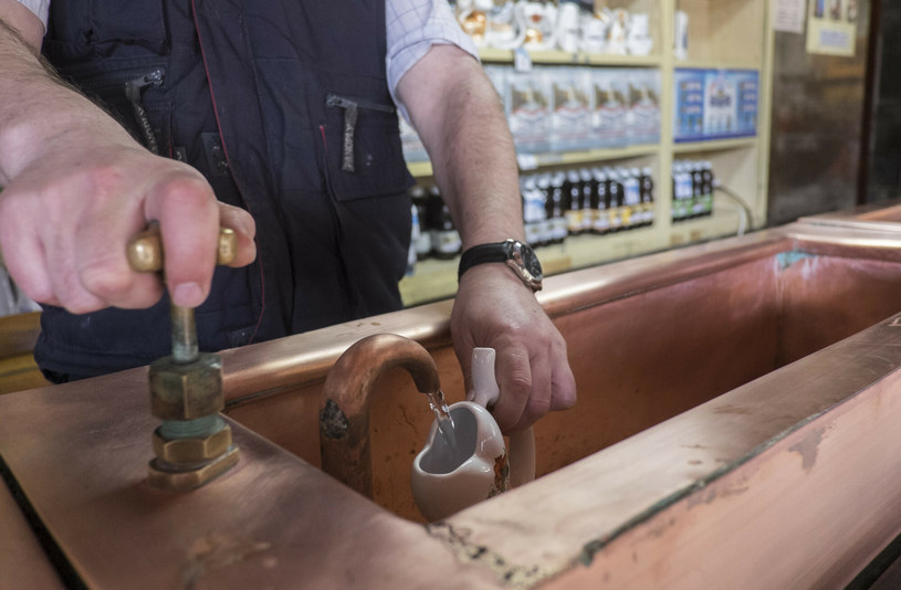 Woda zdrojowa potrafi zdziałać cuda (na zdj. pijalnia w Krynicy-Zdroju) /Jacek Dominski/REPORTER /Reporter