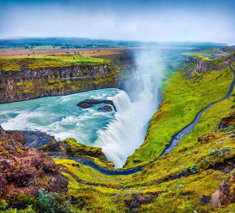 Wodospad Gullfoss tworzy spadająca w przepaść całą szerokością rzeka Hvítá /123RF/PICSEL