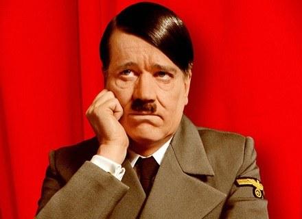 """Wódz III Rzeszy - kadr z komedii pt.: """"Mój Fuehrer - Najprawdziwsza prawda o Adolfie Hitlerze"""" /AFP"""