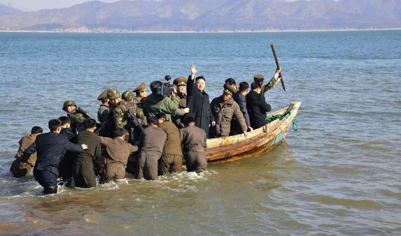 Wódz Korei Północnej lubi się pokazywać w miejscach, gdzie rośnie napięcie /KNS /domena publiczna