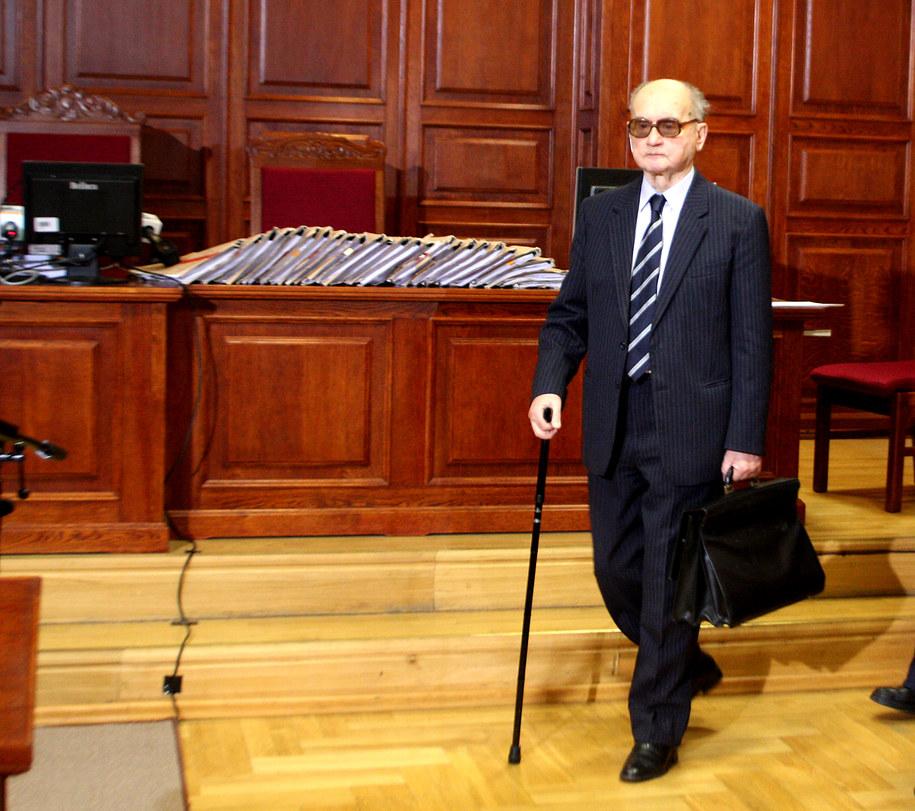 Wojciech Jaruzelski podczas procesu autorów stanu wojennego w 2009 roku / Tomasz Gzell    /PAP