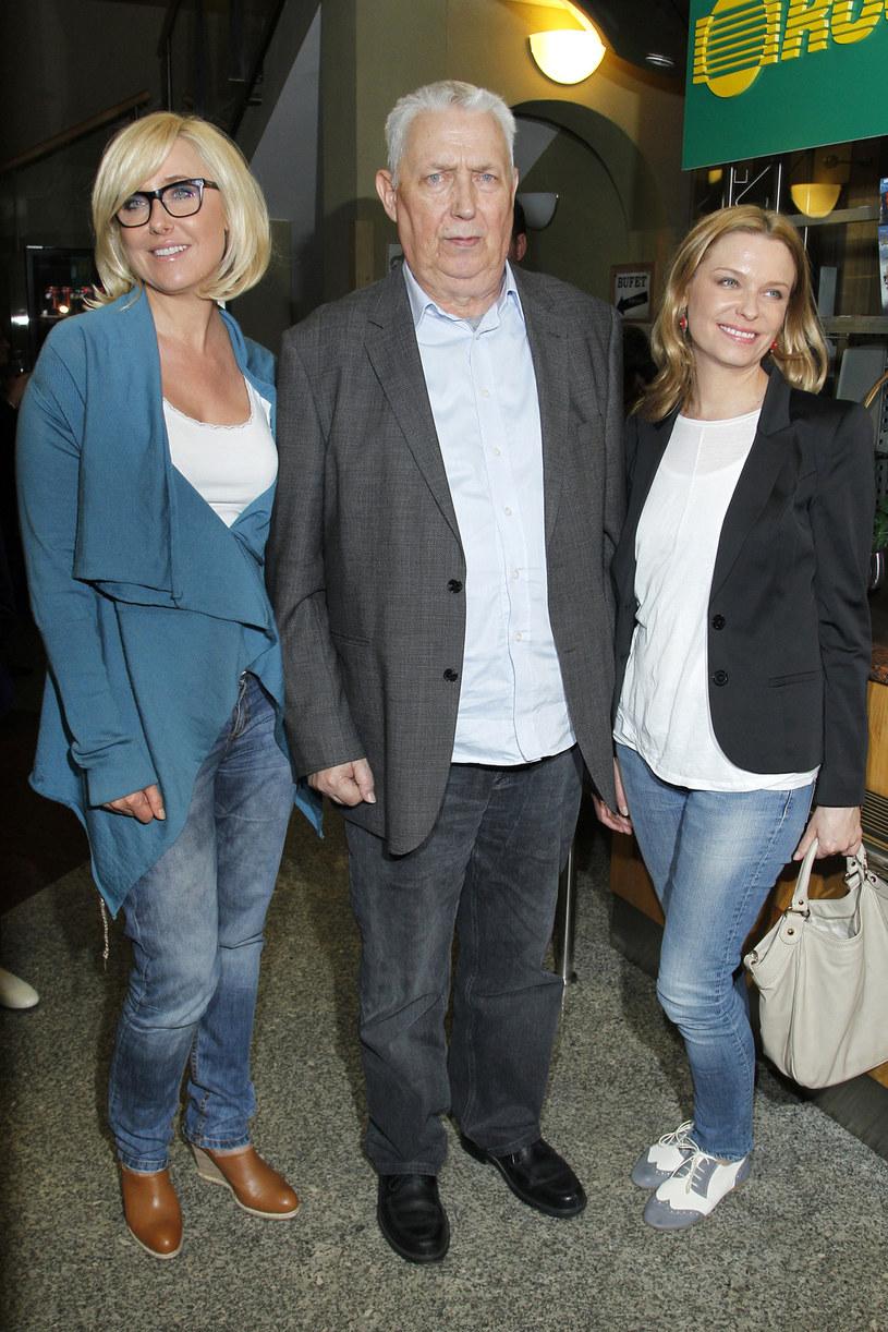Wojciech Młynarski z córkami /AKPA