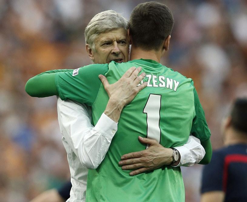 Wojciech Szczęsny i Arsene Wenger /AFP