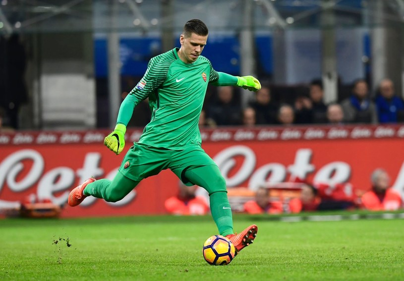 Wojciech Szczęsny ma za sobą bardzo udany sezon we Włoszech /AFP
