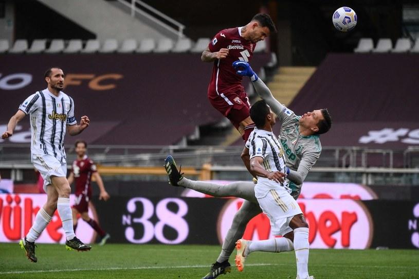 Wojciech Szczęsny mecz z Torino będzie chciał jak najszybciej wymazać z pamięci /PAP/EPA