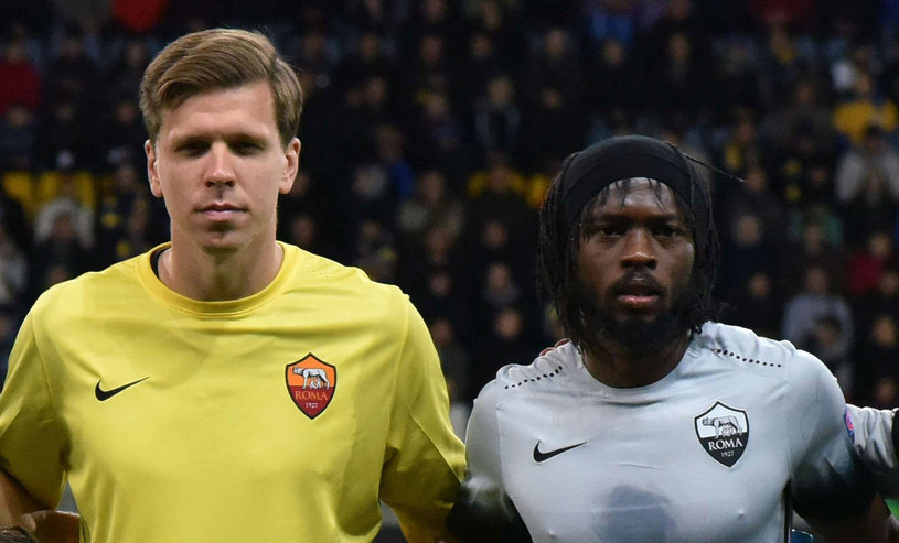 Wojciech Szczęsny obok Gervinho przed meczem z BATE /AFP