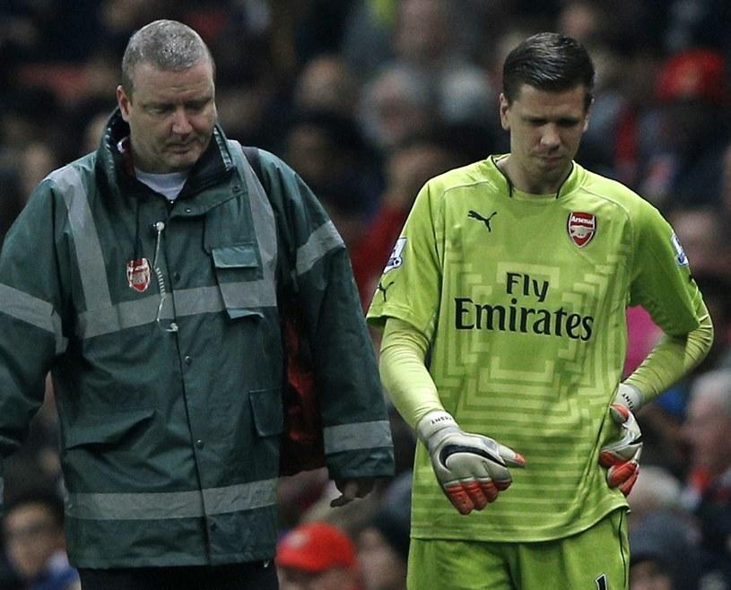 Wojciech Szczęsny ucierpiał w starciu ze swoim klubowym kolegą /AFP