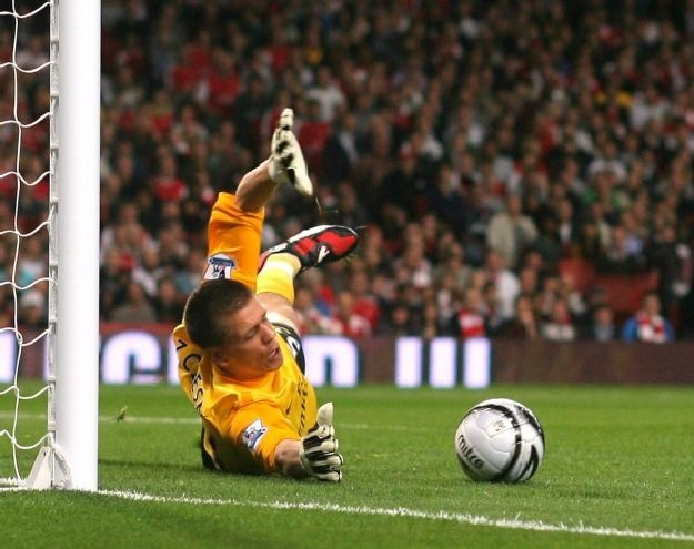 Wojciech Szczęsny w akcji w bramce Arsenalu /AFP