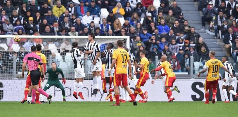 Wojciech Szczęsny w bramce Juventusu podczas meczu z Benevento /PAP/EPA