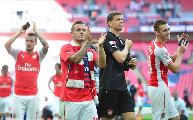 Wojciech Szczęsny z kolegami z Arsenalu /AFP