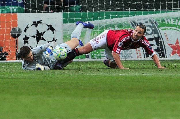 Wojciech Szczęsny został upokorzony przez napastników Milanu /AFP