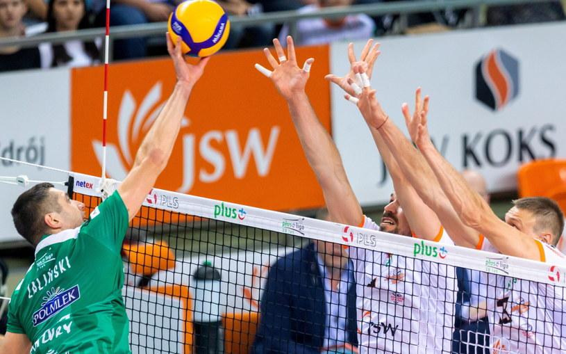 Wojciech Żaliński (z lewej) - najlepszy gracz meczu /Andrzej  Grygiel /PAP