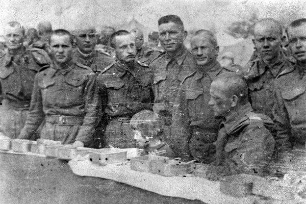 Wielkanoc, 1942, Dzalal Abad, Kirgistan, ZSRR, żołnierze formującej się Armii Andersa
