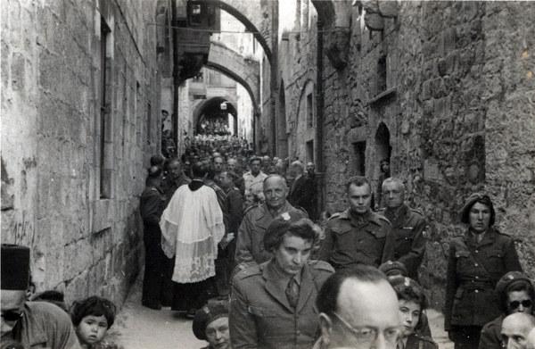 Jerozolima (Izrael), po 1942. Wielkanoc, procesja z udziałem żołnierzy Armii Andersa