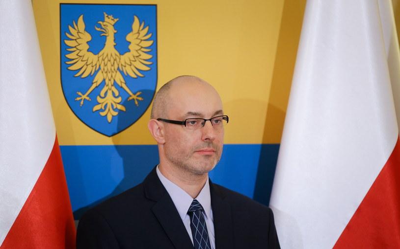 Wojewoda opolski Adrian Czubak po odebraniu aktu powołania /Paweł Supernak /PAP